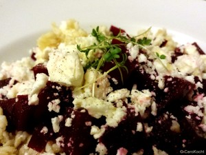 Bulgur-Salat mit Roter Bete, Feta und Kresse
